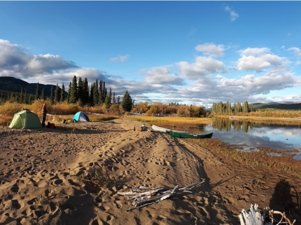 Kanada: Zelten an einer Flüssmündung